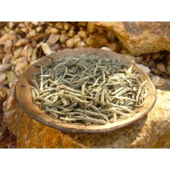 Белый чай Бай Хао Инь Чжень «Беловорсистые серебряные иглы»