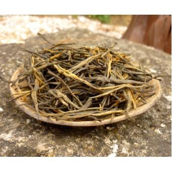 Дяньхун Сун Чжень «Сосновые иглы из Дянь Си»