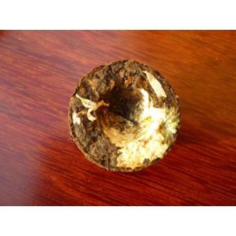 Черный мини шу пуэр с белой хризантемой «Цзинлун»