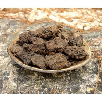 Черный шу пуэр в комках Лао Ча Тоу «Старые чайные головы»