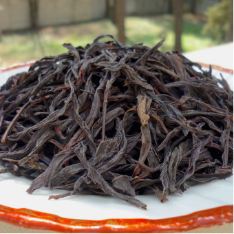 Улунский чай Фэн Хуан Дань Цун «Одиночные кусты с Гор Феникса» выдержанный