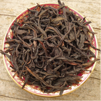Купить Улунский чай Фэн Хуан Дань Цун «Одиночные кусты с Гор Феникса» выдержанный