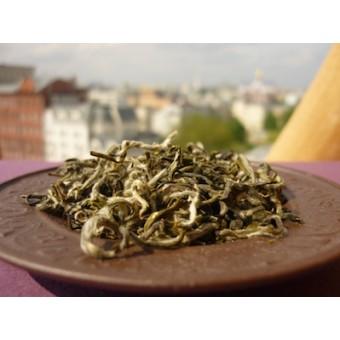 Бело-зелёный чай Бай Мао Хоу «Беловолосая обезьяна»