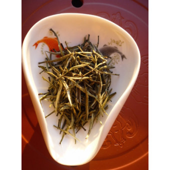 Желтый чай Цзюнь Шань Инь Чжень «Серебряные иглы с гор бессмертных»